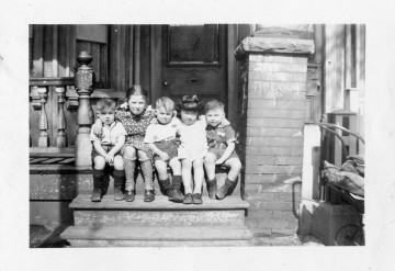 Marie Fujita-Yamashita with her neighbours, the Leibermans, in Kensington Market, Toronto in 1942. Photo courtesy of Marie Fujita-Yamashita and Kensington Market Historical Society